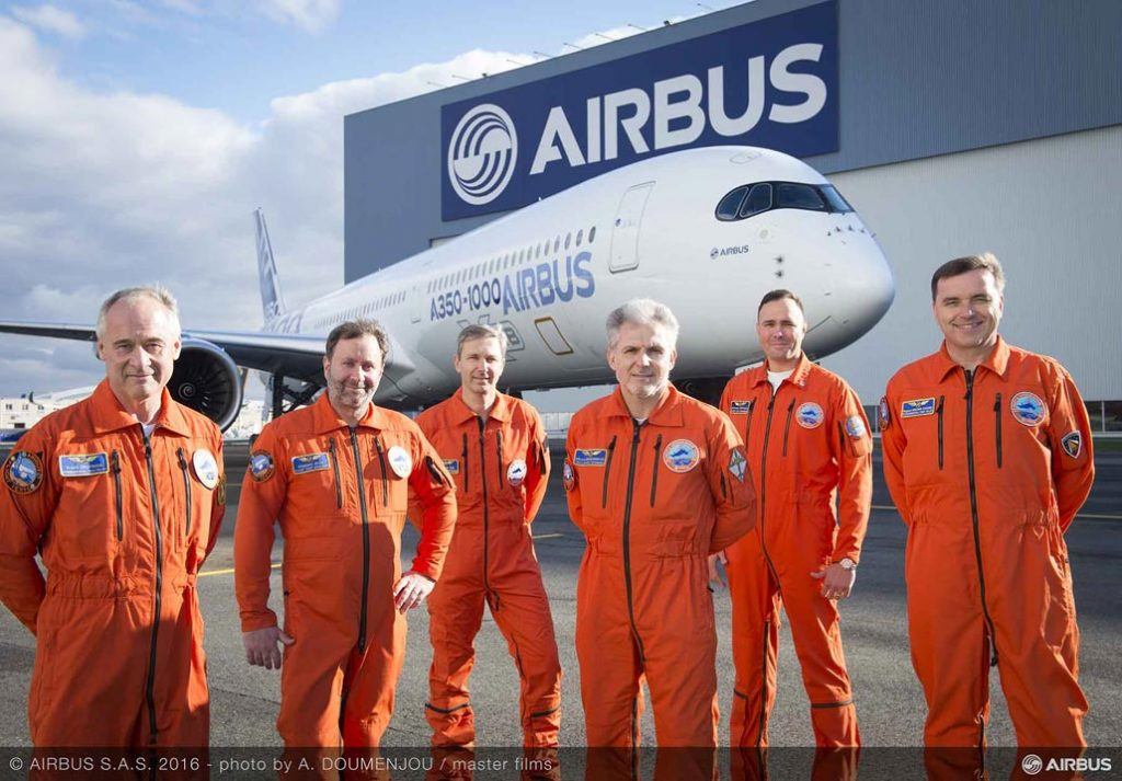 airbus-a350-1000-first-flight-crew