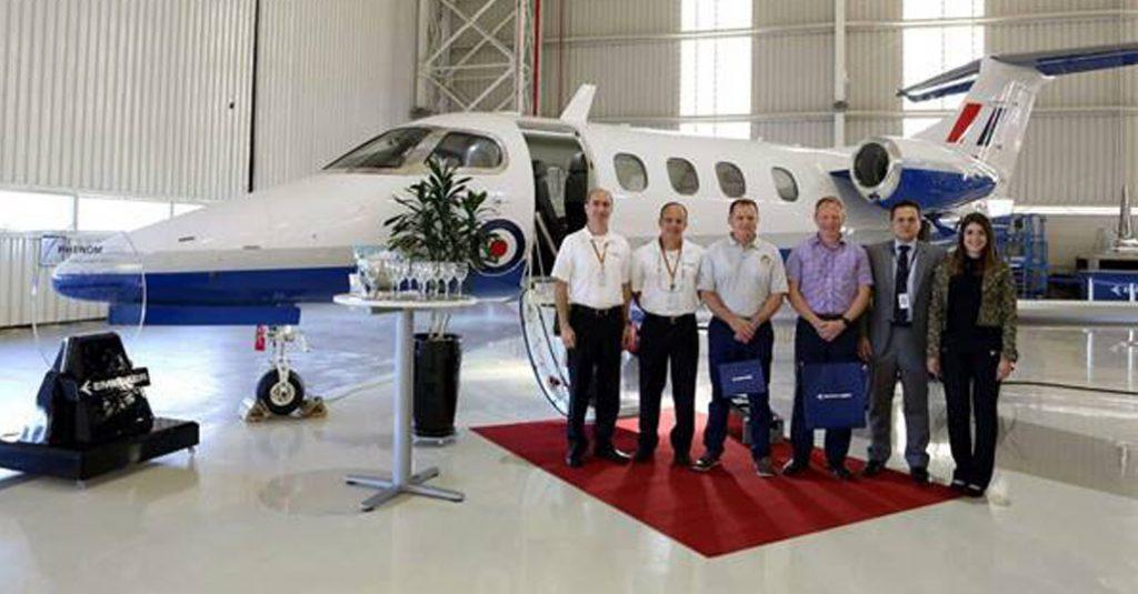 Embraer entregó el primer Phenom 100 para entrenamiento militar al ...