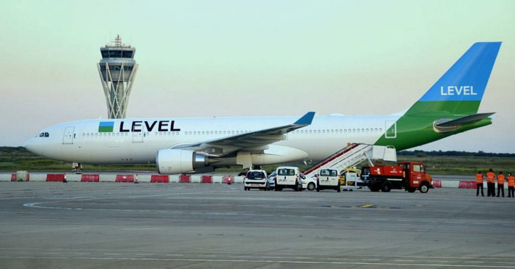 vuelos-baratos-low-cost-level-buenos-aires-barcelona-airbus-a330-hangarx