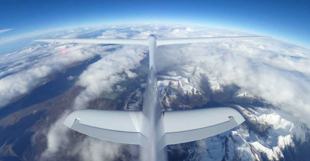 airbus-perlan-mission-2017-calafate-flying-30000-feet-altitude-tail-camera