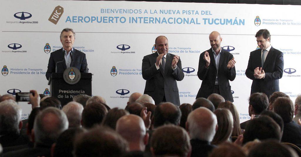 mauricio-macri-inauguracion-nueva-pista-aterrizaje-aeropuerto-provincia-tucuman-argentina