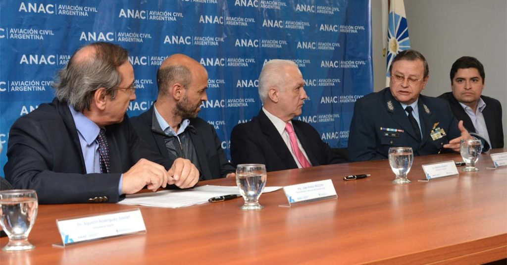 argentina espacio aéreo civil anac faa Dietrich Irigoin Amrein firma convenio 2017 hangarx