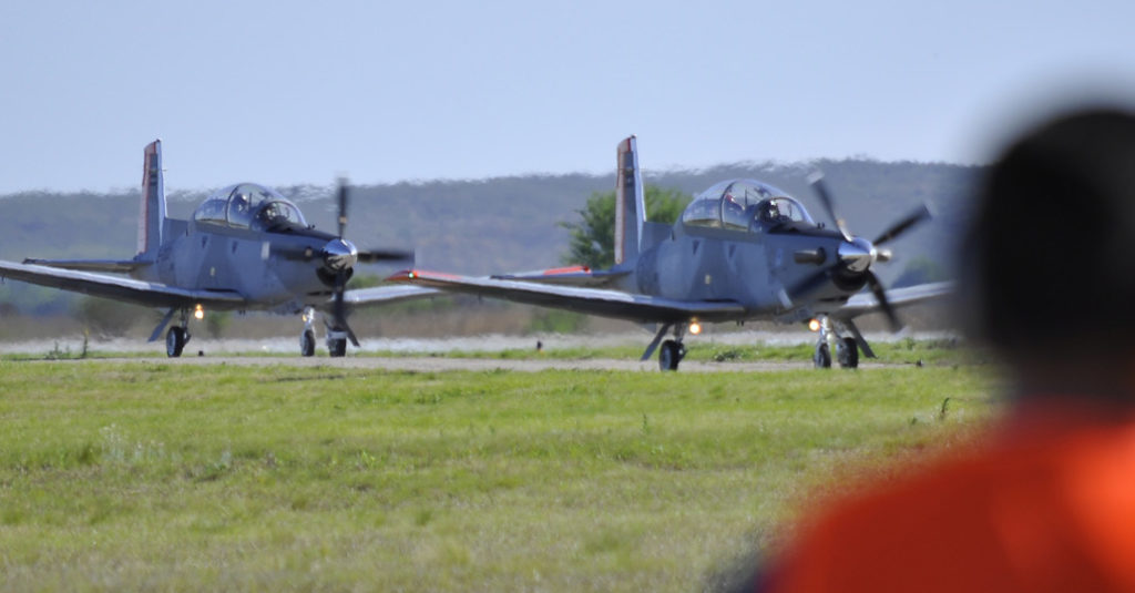 textron-aviation-beechcraft-texan-II-escuela-aviacion-de-militar-fuerza-aerea-argentina-cordoba-hangarx