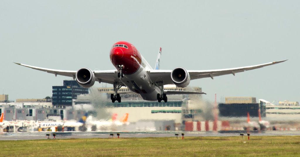 """Boeing 787 """"Dreamliner"""" - Norwegian"""