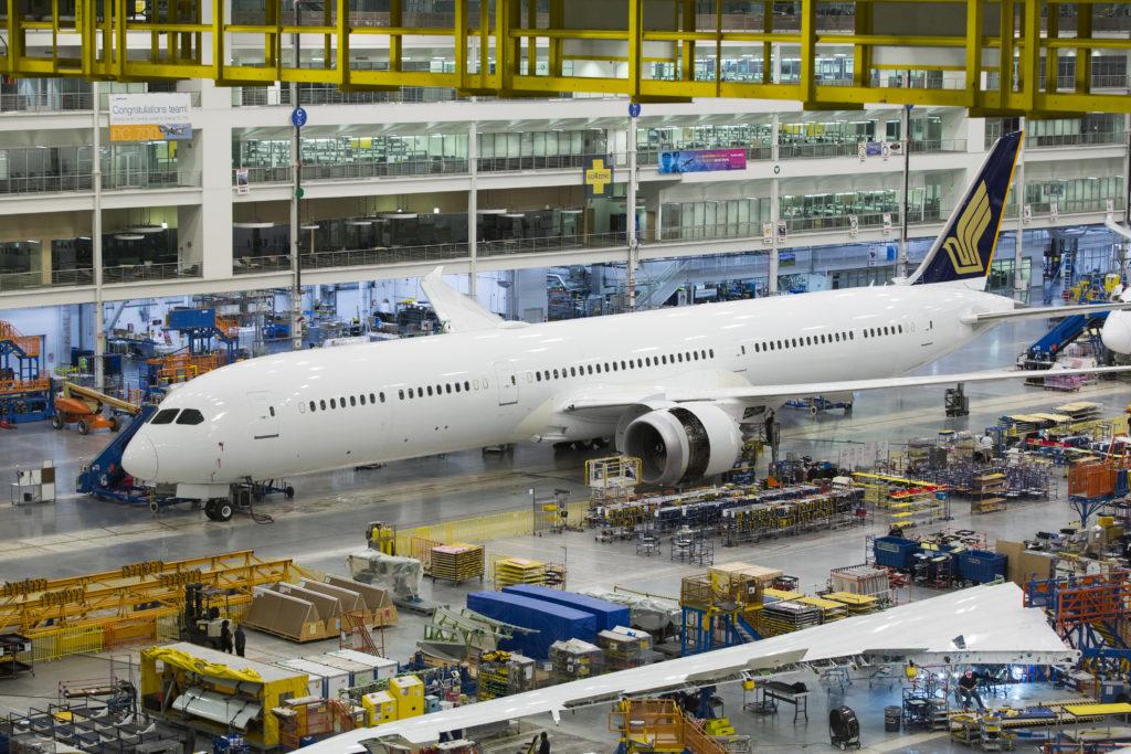 HANGAR X - Boeing recibió la certificación de la FAA para su modelo 787-10