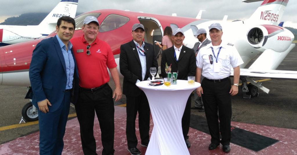 HANAGAR X - Jean Clauteaux, URIJI Co-Founder visitó Aero Expo Panamá 2017 - Lo mejor de la aviación de Negocios en el corazón de las Américas.