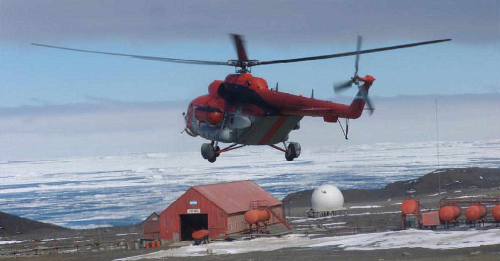 HANGAR X - Campaña Antártica 2017-2018: Traslado de helicópteros