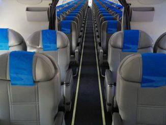 HANGAR X - Aerolineas Argentinas Boeing 737 interior