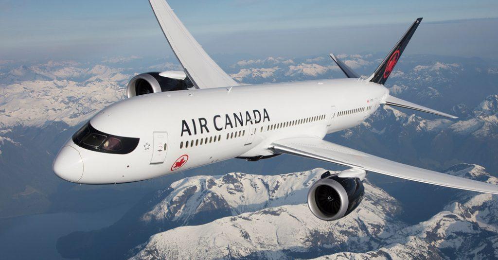 Boeing 787-9 Air Canada in flight