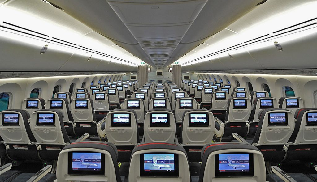 HANGAR X - Air Canada Economy