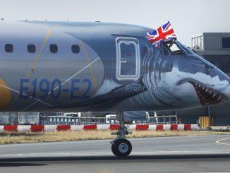 HANGAR X - El Embraer E190-E2 llegó por primera vez a London City (LCY)