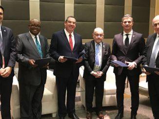 HANGAR X - FAdeA y Paramount de Sudafrica, firmaron un acuerdo en materia de Defensa