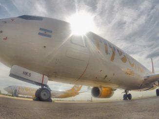 HANGAR X - Flybondi Boeing 737-800 (LV-HKS)
