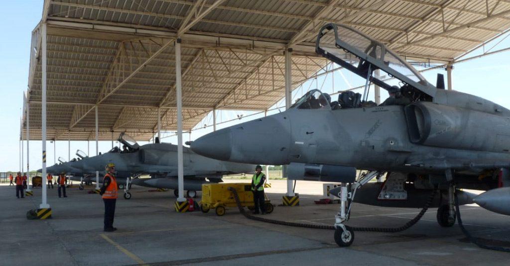 HANGAR X - Fuerza Aérea Argentina A4-AR Fightinghawk