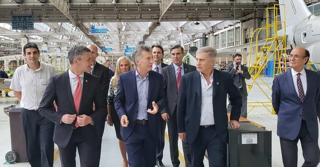 HANGAR X - Mauricio Macri, Presidente de la Nación Argentina, recorre las instalaciones de FAdeA en la provincia de Córdoba