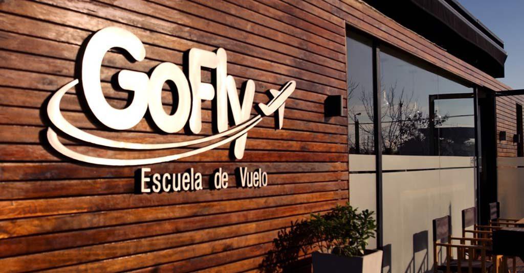 """Escuela de Vuelo """"Go Fly"""""""