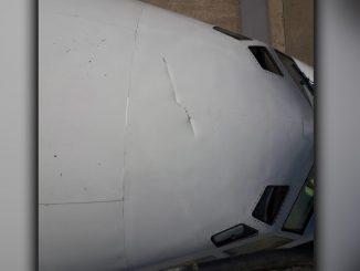 Boeing 737-500 (T-04) abollado por el Airbus A310 del Rey de España en Aeroparque / Marzo 2019