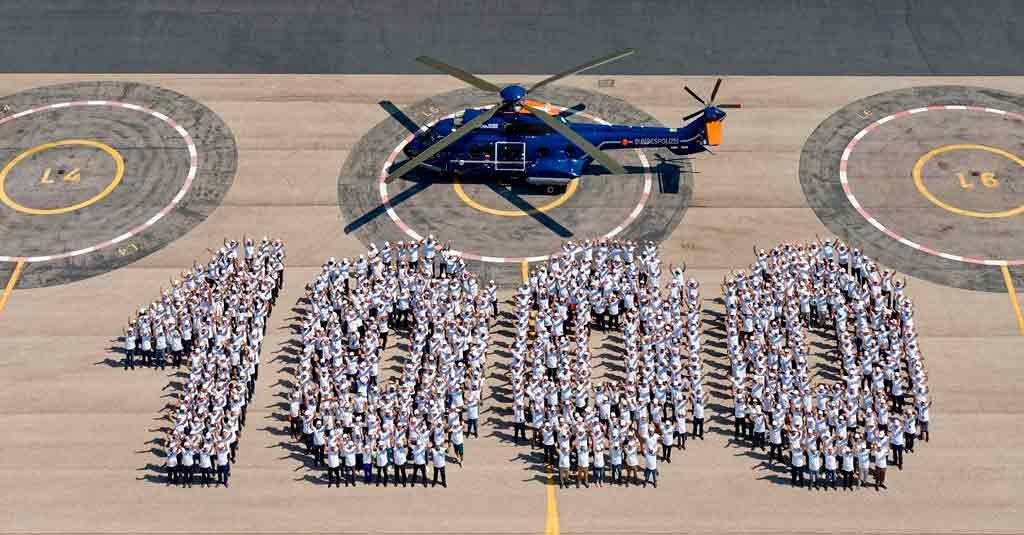 """Airbus entregó el H215 """"Super Puma"""" número 1000"""