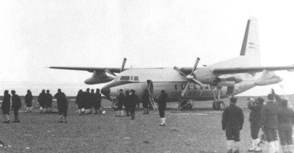 Fokker F-27 Fuerza Aérea Argentina, primer aterrizaje en la Base Marambio (Antartida 1969)