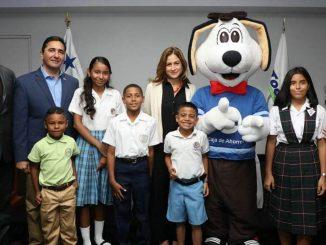Aeropuerto Internacional de Tocumen entrega becas a hijos de colaboradores