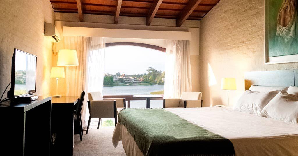 Wyndham Garden Montevideo Carrasco - Uruguay (Room view)