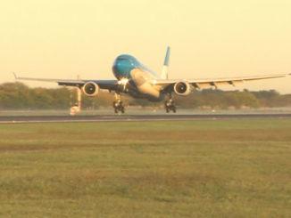 Airbus A330 - Aerolíneas Argentinas (Landing at SAEZ)