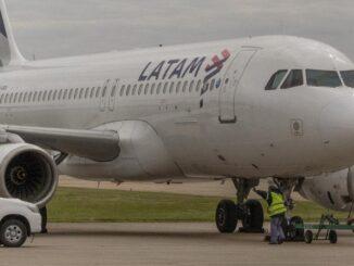 LATAM Argentina / Airbus A320 (LV-BRA)