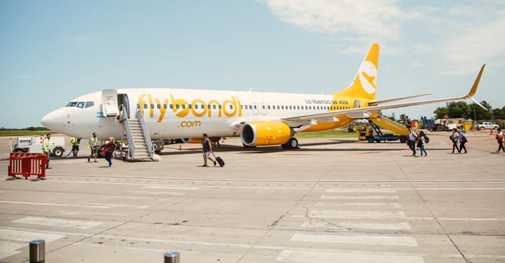 boeing-737-800-flybondi-aeropuerto-el-palomar