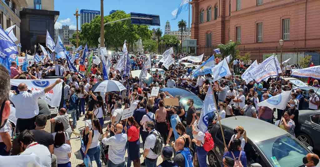 Argentina: Masiva movilización de los sindicatos aeronáuticos