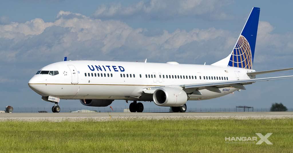 United Airlines - Boeing 737-900 (Vuelos Internacionales)