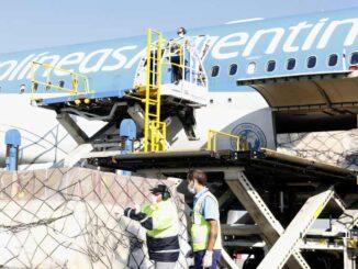 Aerolíneas Argentinas volará a Rusia para transportar la vacuna Sputnik V al país