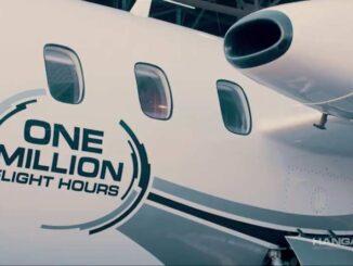 """Piaggio Aerospace P.180 """"Un millón de horas de Vuelos"""""""