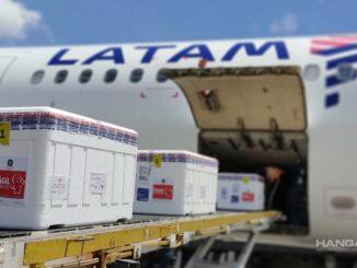 LATAM transporta gratuitamente dosis de vacunas contra el COVID-19