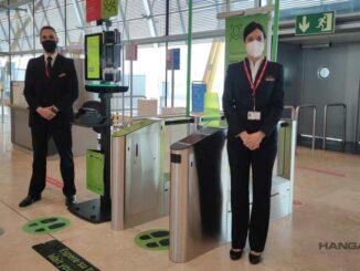Reconocimiento facial en el aeropuerto de Madrid evoluciona hacia la detección biométrica con tablets