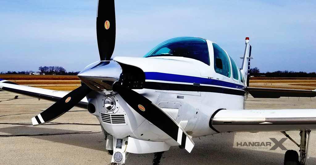 Nueva hélice Hartzell tripala de material compuesto para Beechcraft Bonanza