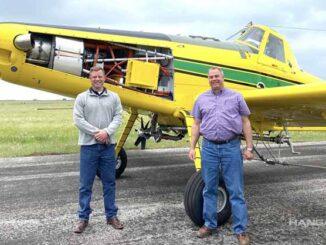 Air Tractor entregó la unidad N°100 del AT-502XP