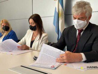 Aeropuerto Internacional de Rosario firmó acuerdo con ANAC para el control aviar